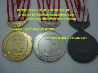 medali-tiga-warna-Emas-40.000-Perak-39.500-Perunggu-39.000