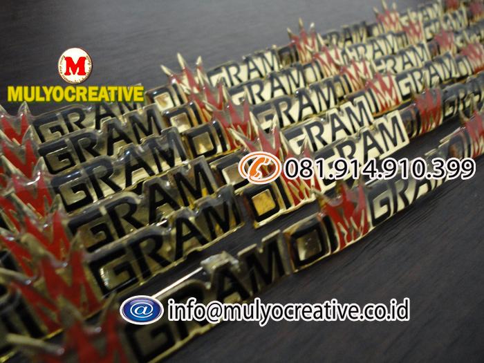 pin logam (5)
