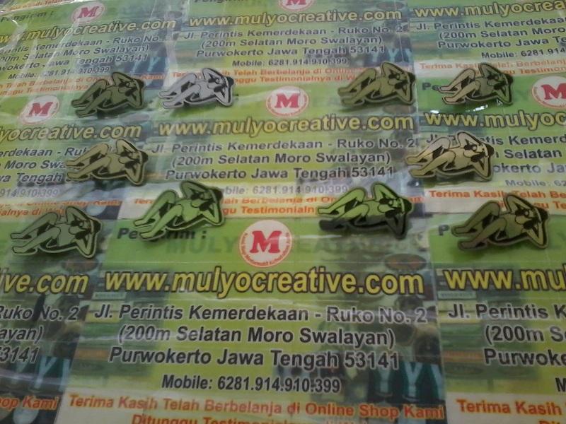 Lencana Pin Enamel Custom Mulyocreative