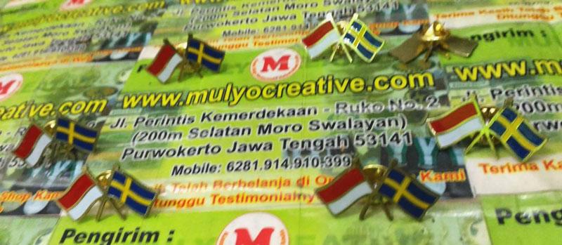 Pin Bendera Indonesia Swedia