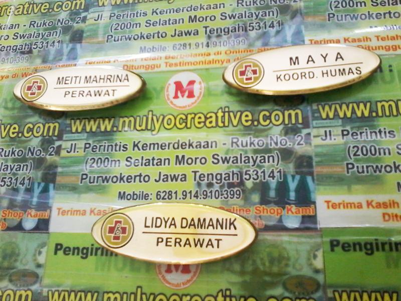 Name Tag Perawat Warna Emas