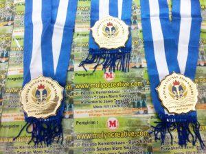 Medali Wisuda SMA PGRI 4 Bandrungmangu-2015