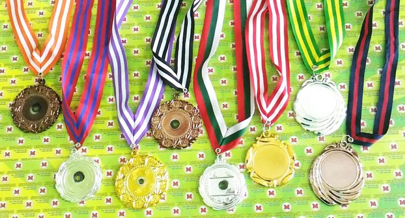 Medali kosongan/ medali polos tinggal ditempel logo